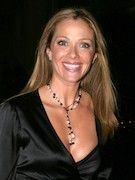 Photo of Lauren Holly