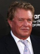 Photo of Tom Berenger