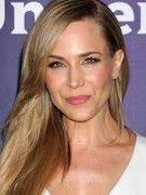 Photo of Julie Benz