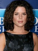 Photo of Neve Campbell