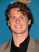 Photo of Jonathan Groff