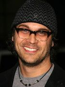 Photo of Todd Stashwick