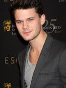 Photo of Jeremy Irvine
