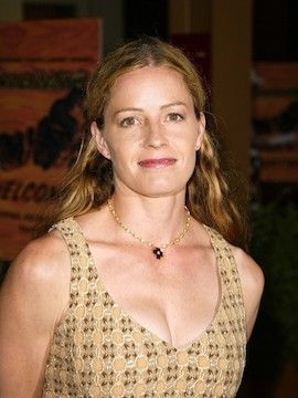 Photo of Elisabeth Shue