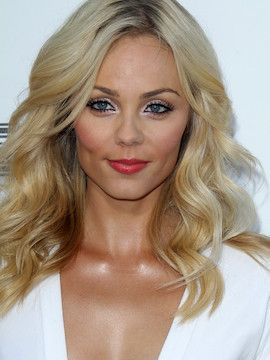Photo of Laura Vandervoort