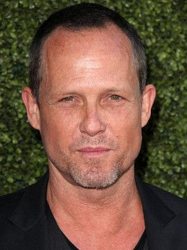 Photo of Dean Winters